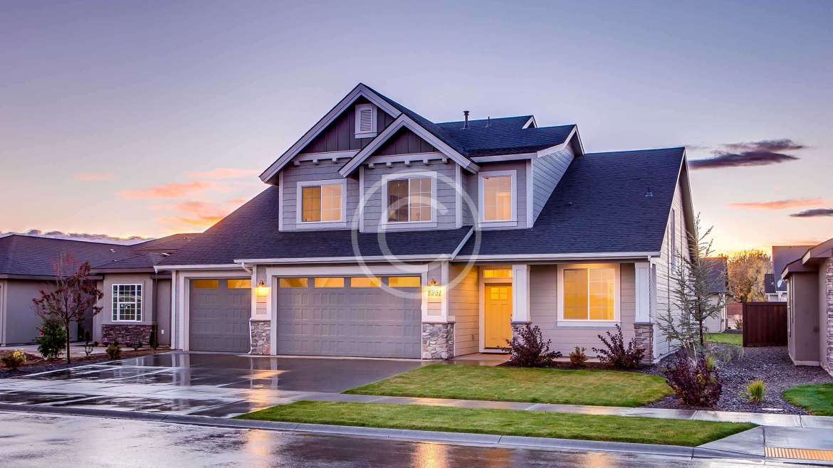 Why You Should Leave Roof Maintenance to the Professionals